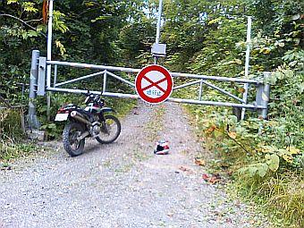 stop136.jpg